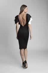 extravagantní šaty černé pouzdrové